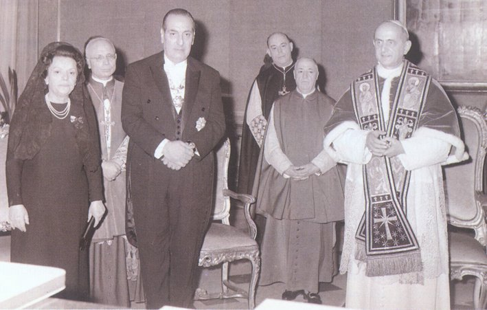 1967 – Daou Presented to Pope Paul VI